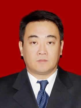 鞍钢营销管理部部长  阎东宇
